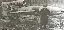 Немецкий самолет-снаряд Фау-1. 1944 г.