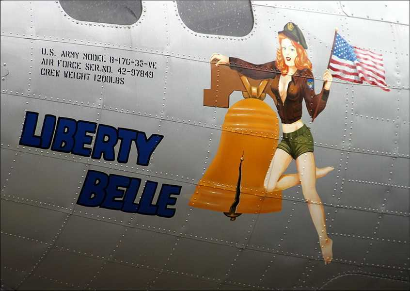 Lovely-Ladies-Painted-On-WWII-Fighter-Planes-29