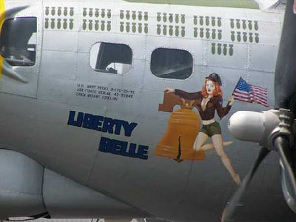 Lovely-Ladies-Painted-On-WWII-Fighter-Planes-6
