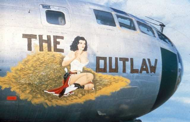 Lovely-Ladies-Painted-On-WWII-Fighter-Planes-7
